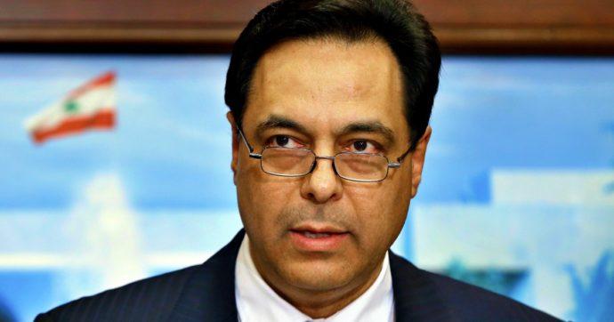 """Libano, si è dimesso il governo di Hassan Diab: """"L'esplosione è il risultato della corruzione endemica"""". Sale a 220 il numero delle vittime"""