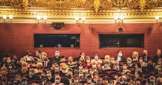 Il teatro è un gioco vivo che crea vita, non qualcosa di cui si possa fare a meno