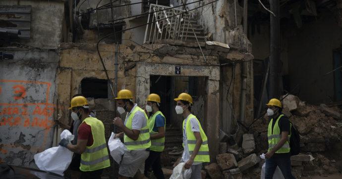 Libano di nuovo in lockdown: dopo esplosione torna l'allarme Covid. Emergenza con ospedali affollati, fuori uso e carenza di farmaci