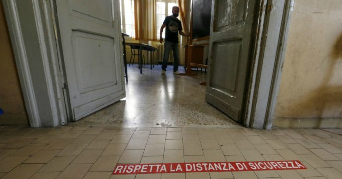 Studentessa positiva in provincia di Udine: seguiva i corsi di recupero a scuola. Test su una dozzina di ragazzi e due insegnanti