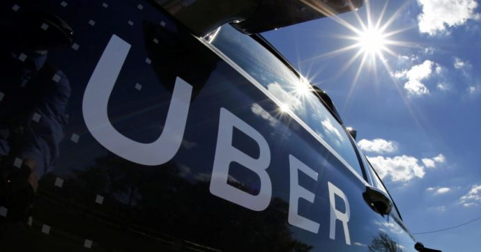 Uber riconosce ai collaboratori del Regno Unito i diritti dei dipendenti: dal salario minimo alla pensione