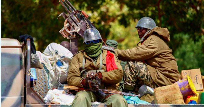 Golpe militare in Mali: arrestati presidente e primo ministro. Onu, Consiglio di sicurezza straordinario. Condanna di Macron e Ue