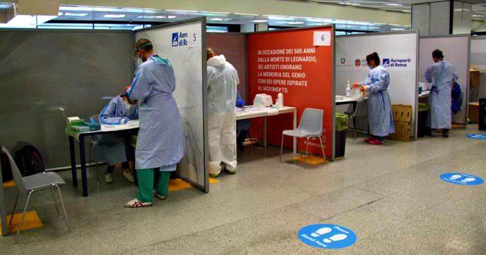"""Tamponi in aeroporto, a Fiumicino trovati altri 3 casi: rientro dalla Spagna. In Lombardia ancora caos, Gallera: """"Prenotare test online"""""""