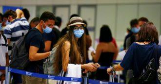 """Coronavirus, Iss: """"Incidenza tornata ai livelli di giugno. Casi meno gravi o asintomatici"""". Si abbassa l'età mediana: 30 anni"""
