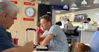 """Alexei Navalny, il governo tedesco: """"Avvelenato con l'agente nervino Novichok"""". Von der Leyen: """"Spregevole"""". Farnesina: """"Russia chiarisca"""""""