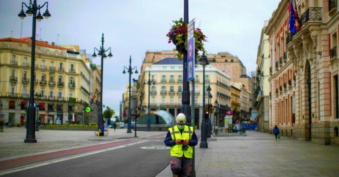 """Coronavirus, altri 12.845 contagi e 64 morti in Francia. Tutta Madrid in """"lockdown parziale"""" dopo l'impennata di casi"""