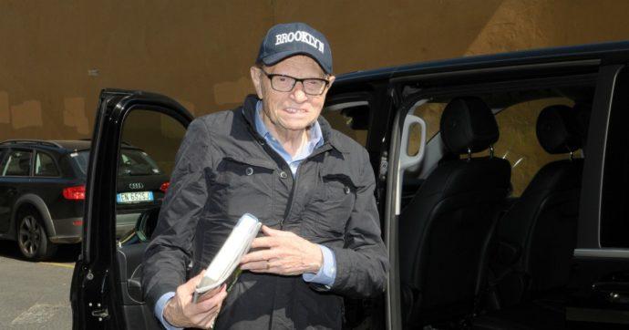 """Il dramma di Larry King: """"Ho perso due figli in tre settimane, mi mancheranno moltissimo"""""""