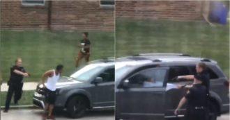 La polizia del Wisconsin spara sette colpi alla schiena di un afroamericano mentre entra in auto: il video