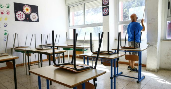 """Scuola, 10 domande dei presidi alla Azzolina: """"Chiarezza su lavoratori fragili, smartworking e pasto da casa"""""""