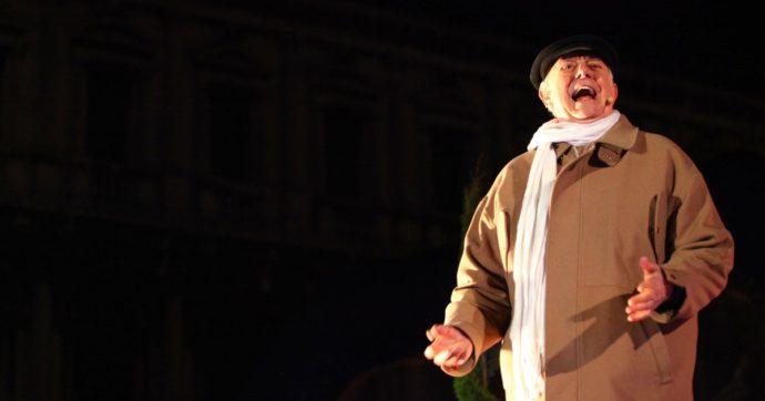 """""""Mistero Buffo di Dario Fo censurato in Umbria perché offende la religione"""": la denuncia del regista Allegri. Il sindaco: """"Un fraintendimento"""""""