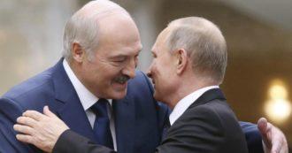 """Mosca prepara un'unità di polizia per aiutare la Bielorussia. Putin: """"Lukashenko ascolti la gente che protesta"""""""