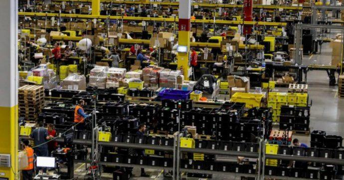 Va in onda la buona novella Amazon. Negli spot magazzinieri felici e rilassati che ringraziano la società per il posto lavoro