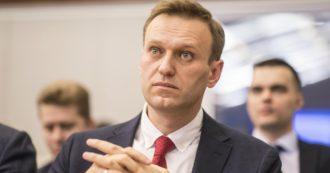 Nuovo attacco al movimento di Navalny: bottiglietta con sostanza chimica lanciata dentro alla sede. Malore per tre sostenitori