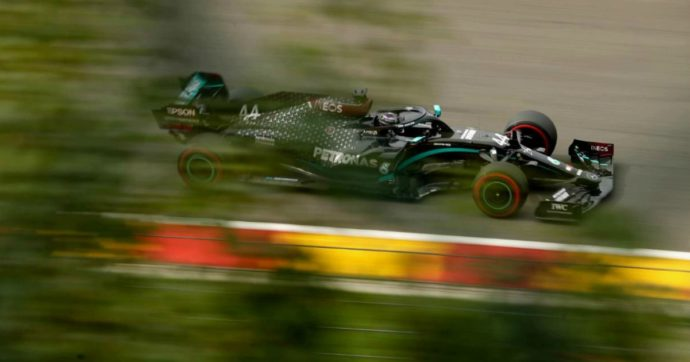 Hamilton in pole al Gp del Belgio, disastro Ferrari. Ecco dove vedere la gara domani in tv e su internet