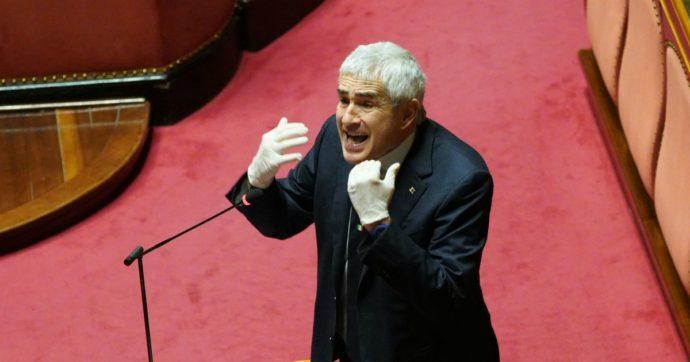"""La difesa delle poltrone di Casini, in Parlamento dal 1983: """"Referendum? Serve solo a tagliare delle teste, alla Robespierre"""""""