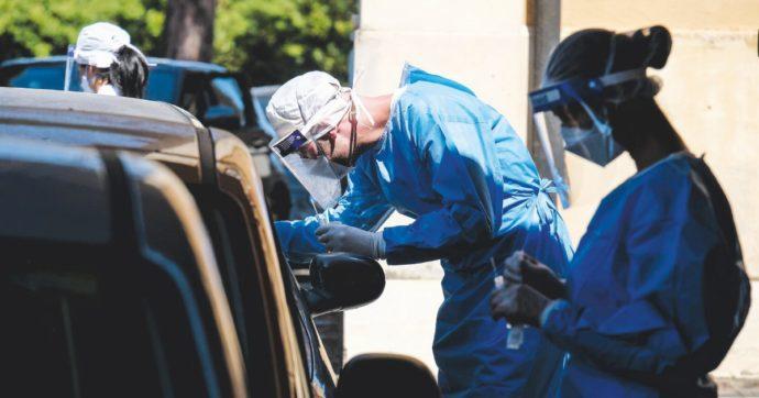 Coronavirus, i dati – 1.912 casi nelle ultime 24 ore: è la cifra più alta dalla fine del lockdown. Venti i morti. Stabili i tamponi: 107.269