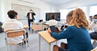 """L'allarme della commissione Ecomafie sul no alle mascherine di stoffa a scuola: """"Ci saranno ogni giorno 44 tonnellate di rifiuti da bruciare"""""""