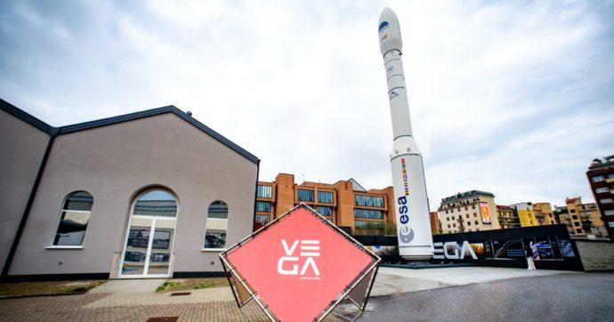 Lanciato il razzo Vega: in orbita per la prima volta 53 satelliti. Un segnale per la ripresa della space economy europea