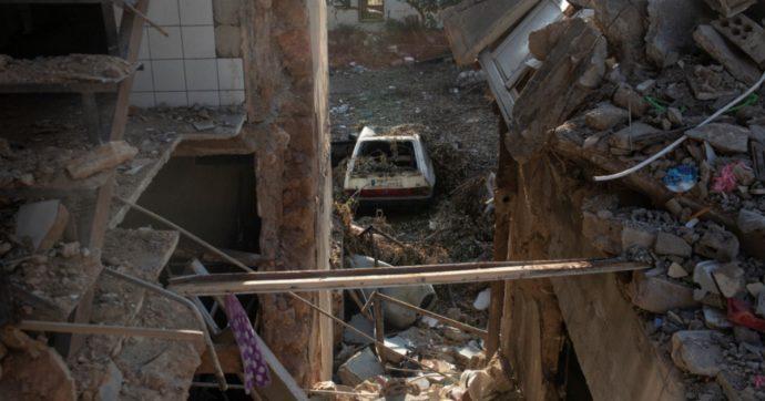 """Beirut, Oxfam: """"A un mese dall'esplosione 70mila persone hanno perso il lavoro e non hanno i soldi per mangiare né ricostruire casa"""""""