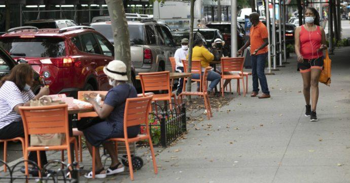 """""""Ristoranti, caffè e palestre sono i luoghi dove ci si contagia di più"""": lo studio diffuso da Nature che ha mappato 98 milioni di cellulari"""