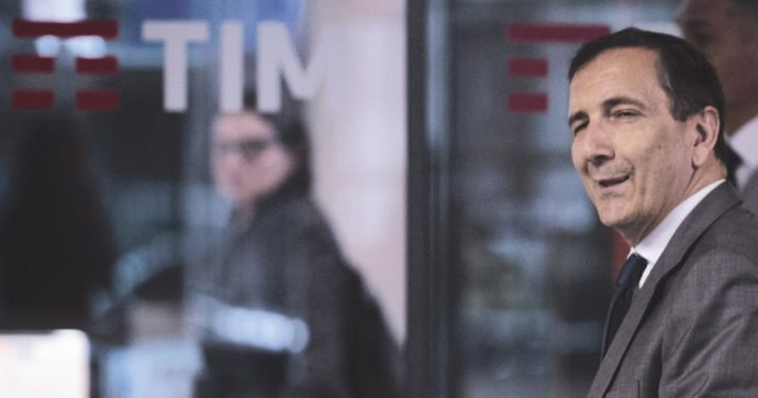 Rete unica, l'Antitrust passa al lentino la società di Tim per la banda larga e gli accordi di fornitura con Fastweb e Tiscali