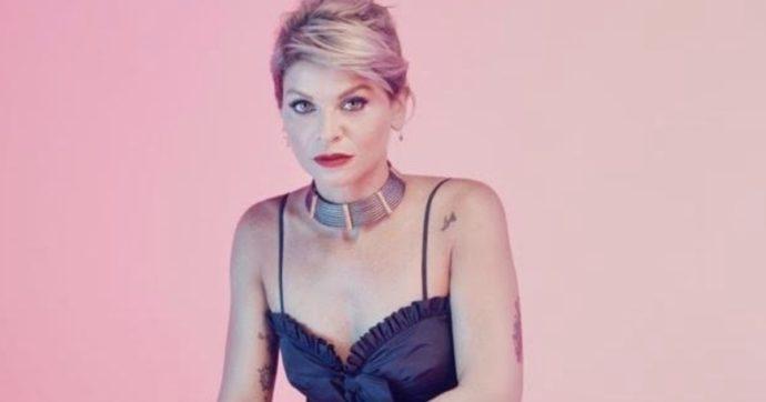 """Alessandra Amoroso a FQMagazine: """"Ho vinto due grandi paure (e quella """"matta"""" di Emma mi ha 'salvata'). E ora mi godo 'Karaoke'"""""""