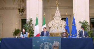"""Scuola, Conte: """"L'anno scolastico comincerà regolarmente il 14 settembre. La riapertura è una sfida per tutto il sistema Italia"""""""