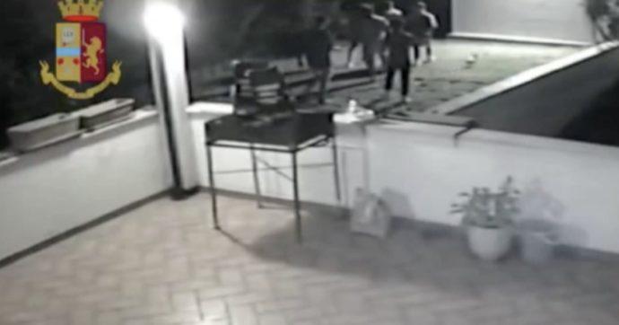 """Le intercettazioni dei ragazzi accusati dello stupro delle 15enni a Matera: """"Quello deve stare zitto. Deve dire che erano consenzienti"""""""