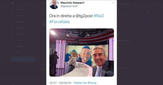 Il selfie sorridente di Gasparri con la foto di Willy nello studio tv: polemica sui social e il senatore lo cancella