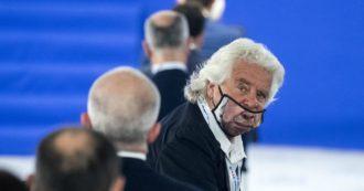 """Referendum, Grillo per il Sì: """"Il popolo italiano potrà riappropriarsi del proprio potere e ricacciare i dinosauri. È ora di svecchiamento"""""""