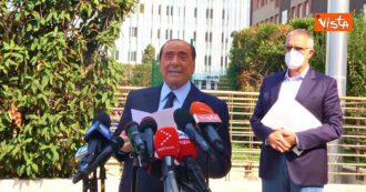 """Berlusconi appena dimesso dal San Raffaele: """"Anche stavolta l'ho scampata bella"""""""