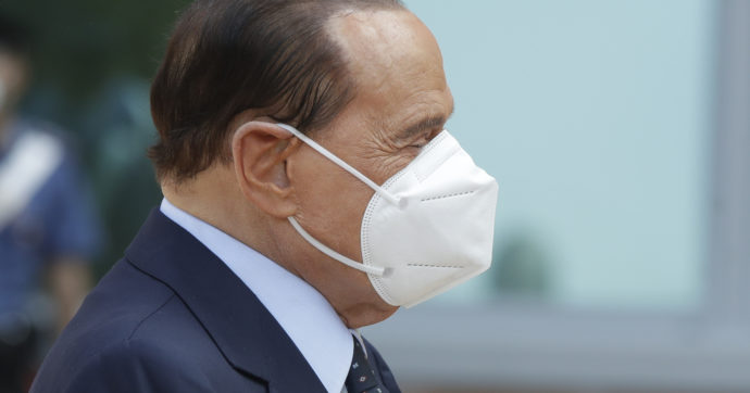 """Silvio Berlusconi """"ancora positivo"""", niente festa di compleanno il prossimo 29 settembre"""