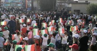 Mattarella a Vo' Euganeo per l'apertura dell'anno scolastico: in piazza risuona l'inno e i bambini sventolano il Tricolore