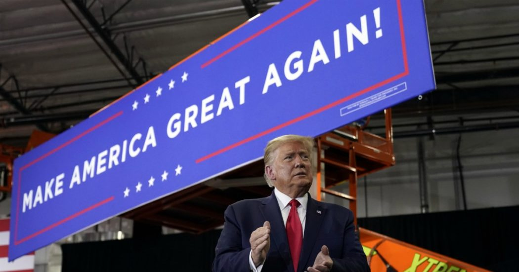 Elezioni Usa, Donald Trump e la teoria del colpo di stato: il voto per posta è la miccia per non mollare la Casa Bianca in caso di sconfitta