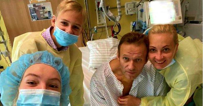 """Alexey Navalny: """"Dietro al mio avvelenamento c'è Putin. Tornerò in Russia, non ho paura"""""""