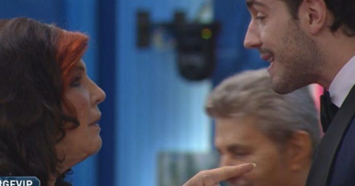 """Grande Fratello Vip, Tommaso Zorzi (con la febbre dentro la Casa) attaccato dalla De Black: """"Stonz*o, hai rotto i cogl***"""""""