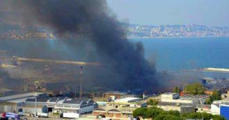 La presenza di acido cianidrico, le esplosioni e il fumo nero: i timori per la salute dopo l'incendio al porto di Ancona