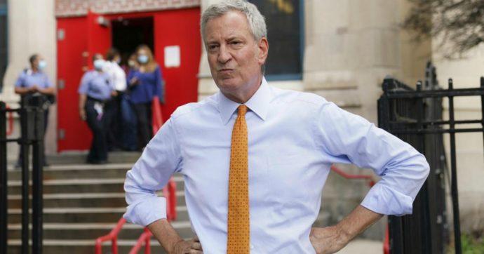 New York in rosso causa Covid: il sindaco de Blasio e il suo staff si sospendono lo stipendio