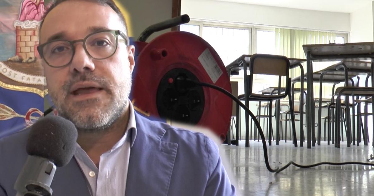 Scuola, a Castellammare di Stabia il sindaco decide di rinviare l'apertura al 1 ottobre