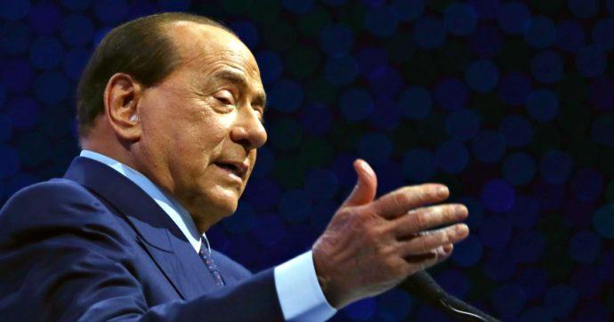 """Berlusconi: """"Il Covid tra le peggiori esperienze della mia vita. Nell'emergenza mettere da parte le polemiche politiche"""""""