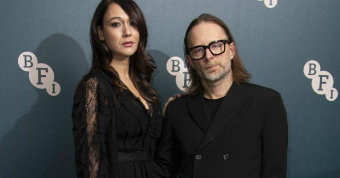 Thom Yorke, il leader dei Radiohead sposa l'attrice siciliana Dajana Roncione: le nozze da sogno a Bagheria