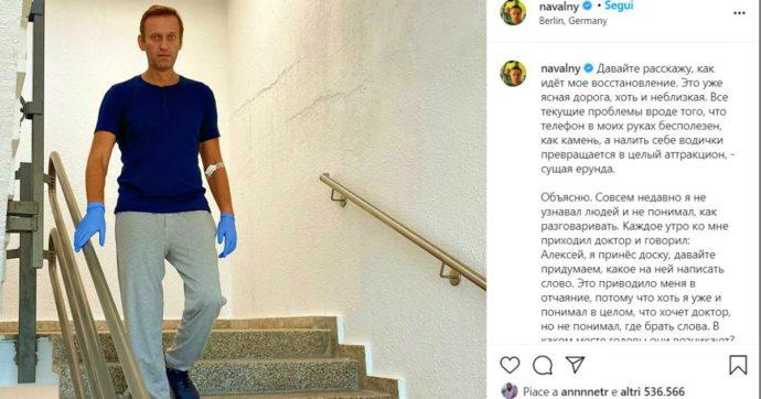 """Alexei Navalny torna a camminare e si mostra su Instagram: """"Guarigione non è vicina. Facevo fatica a parlare e riconoscere persone"""""""