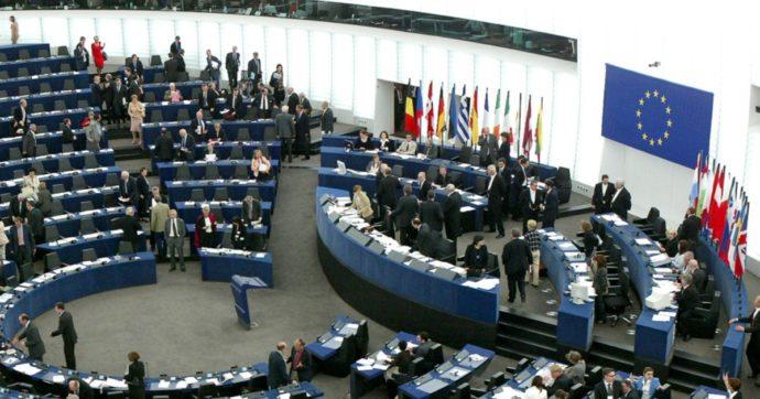 """Recovery fund, Berlino: """"Quasi inevitabili ritardi con conseguenze per la ripresa dell'Ue"""". Il Parlamento: """"Negoziati a un punto morto"""""""