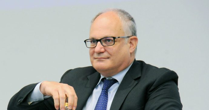 """Cassa integrazione, Gualtieri: """"Escludo che nel 2021 sia generalizzata e gratuita. Il sostegno verrà dato a specifici settori più in difficoltà"""""""