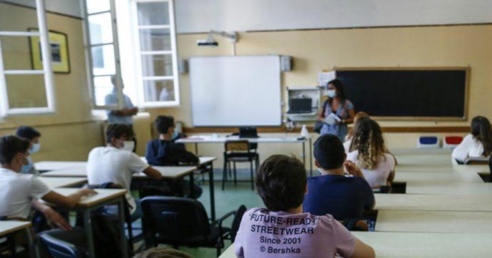 """I dirigenti scolastici e le richieste dei genitori: """"C'è chi vorrebbe inasprire misure anti-Covid e chi non vuole rispettarle, noi tra due fuochi"""""""