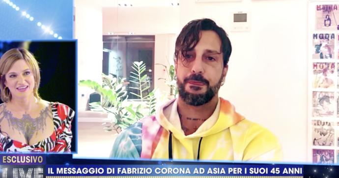 """Live non è la D'Urso, Asia Argento su Fabrizio Corona: """"Non copulavo da tanto"""". Lui risponde con un video"""