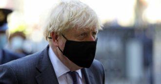 """Coronavirus, Johnson: """"Siamo a un pericoloso punto di svolta"""". Per sei mesi coprifuoco per pub e ristoranti, sì a smartworking"""