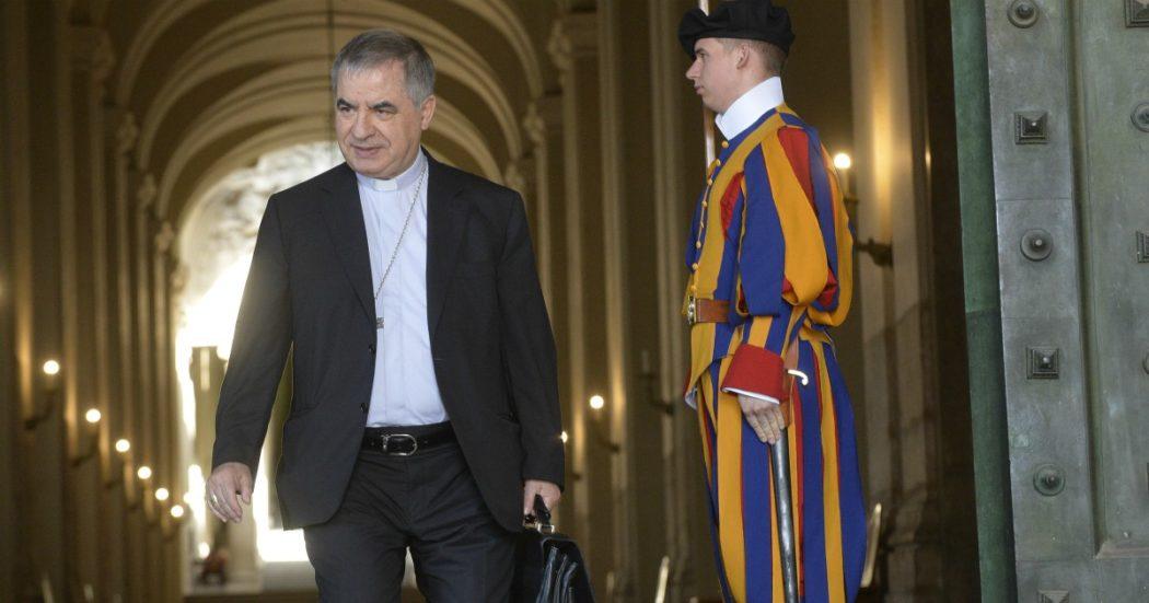 """Scandalo Vaticano, il racconto di monsignor Perlasca sul cardinal Becciu: """"Mi disse di scaricare Signal e di cancellare i suoi sms"""". I magistrati chiamati """"porci"""" perché facevano domande"""