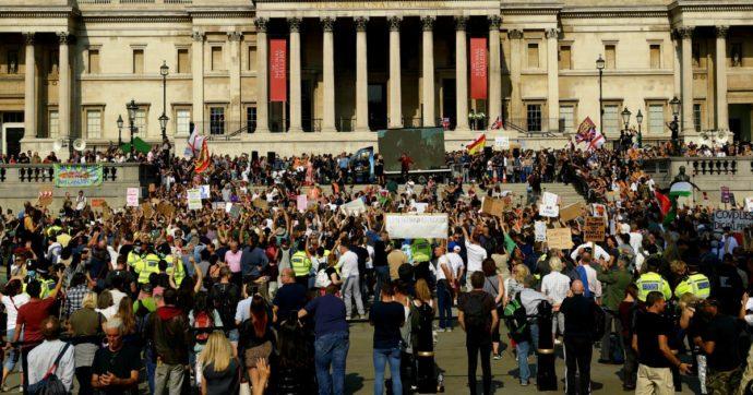 """Gran Bretagna, """"nell'80% dei casi violato l'auto-isolamento. Anche se sanno di avere i sintomi del Covid non rimangono a casa"""""""