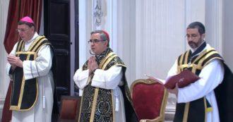 """La difesa di Becciu (dimissionato dal Papa in 20 minuti): """"Dalla Cei soldi alla coop di mio fratello? Dà lavoro a 60 famiglie"""""""